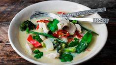 En god thai-karri kan man nesten aldri få nok av. Mye av hemmeligheten ligger i den perfekte balansen mellom salt, søtt, syrlig og hot. Med masse friske grønnsaker og kyllingfilet er dette dessuten en litt sunnere middag.