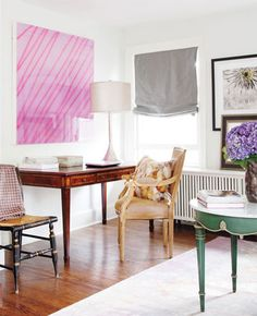 love the big glossy art + the mix & match of furniture
