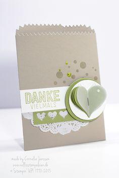 Nellis Stempeleien: Mini-Leckereientüte von Stampin' UP!, verziert mit der Stanze Herzblatt und dem Stempelset Wie Du bist; Sweetheart, Mini-Treat-Bag