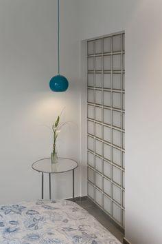 Glazenbouwstenen als scheidingswand: lichtdoorlatend maar toch nog voldoende privacy!