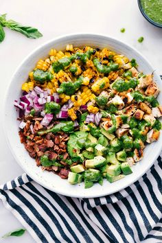 Gorgeous Salad Recipes With Chicken To Die For. Healthy Salads For Lunch, Dinner, Clean Eating Or Meal Prep! Grilled Avocado, Avocado Chicken Salad, Chicken Salad Recipes, Avocado Salad, Chicken Salads, Healthy Chicken, Grilled Chicken, Cobb Salad, Avocado Recipes