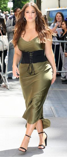 Ashley Graham in Nili Lotan out in NYC. #bestdressed