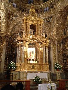El mas puro arte  barroco en oro, Puebla, Mexico.