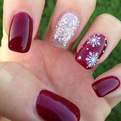 Pretty Christmas Nails for This Holiday Season Winter nails with snowflake; red and white Christmas nails; cute and unique Christmas nails; Christmas Nail Art Designs, Winter Nail Designs, Christmas Design, Xmas Nails, Holiday Nails, Red Christmas Nails, Xmas Nail Art, Christmas Fashion, Halloween Christmas