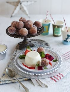Doughnuts with Buttermilk Panna Cota from James Martin's United Cakes of America: http://gustotv.com/recipes/snacks/doughnuts-buttermilk-panna-cota/