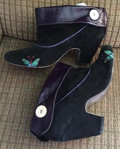 11506c252105 Vintage Shoes Gabriella Rocha Booties Black and Purple Size 10 – La  Guanaquita s Closet Gabriella Rocha