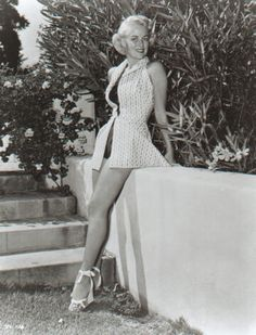 Janis Carter film noir lady lovely,the stars are for later,i like the second players better,like rita johnson,gail patrick,marguerite chapman,helen mack to name a fiew,or i also can take snapshots from the movies and they cannot be on pinterest?nice legs ha.