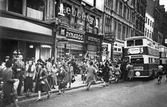 George Rodger GB. ENGLAND. London. The Blitz. Oxford Street. 1940