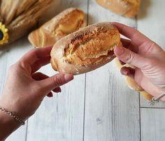 FILONCINI DI FARINA GRANO DURO, ricetta croccante Hot Dog Buns, Food To Make, Rolls, Cooking, Recipes, Breads, Collage, Products, Bon Appetit