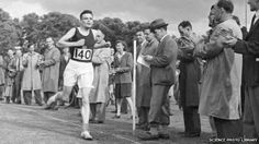 Alan Turing finishing second in a race. British mathematician and pioneering computer scientist Alan Turing worked at the National Physical Laboratory, Teddington, London, UK, from 1945 to Alan Turing, Bletchley Park, Lgbt History, History Class, Famous Historical Figures, Sports Day, Science Photos, Quantum Mechanics, Senior Boys