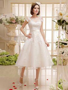 Vestido de noiva curto marfim em renda e cetim com laço na cintura