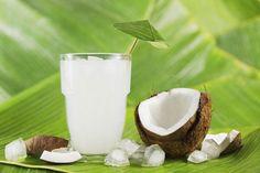 Beneficios del agua de coco.-◕ El tomar agua de coco regularmente te ayudará a: ◕ Evitar la deshidratación. ◕ Ofrecer energía a tu cerebro y tus músculos. ◕ Prevenir el envejecimiento prematuro. ◕ Mejorar la digestión. ◕ Fortalecer el sistema inmunológico. ◕ Ayuda a combatir los cálculos renales. ◕ Combate y a frena la acción de los radicales libres. ◕ Ayuda a bajar de peso saludablemente y sin deshidratar el cuerpo. ◕ Regula el pH del cuerpo. ◕ Reduce el riesgo de padecer un ataque cardíaco…