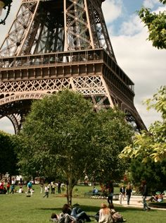 lunching at the eiffel tower