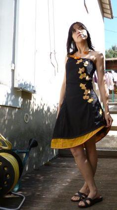 Alors aujourd'hui qu'il pleut comme vache qui pisse, je vous montre ma robe Biloba pour faire revenir le soleil (hihihi on peut toujours rêver ;-) Vous vouliez voir ce que donnais le sublime torque d' O-Kobi porté? Alors allez yeuter chez elle ICI. Et...