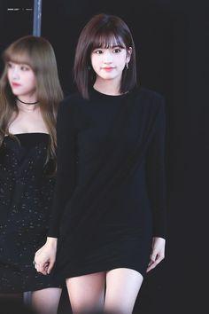 K-Pop Babe Pics – Photos of every single female singer in Korean Pop Music (K-Pop) Kpop Girl Groups, Kpop Girls, Cute Girls, Cool Girl, Eyes On Me, Yu Jin, Japanese Girl Group, Female Singers, Beautiful Asian Women