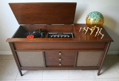 Mid Century Stereo Console  Vintage Solid by RetroTherapyRehab, $550.00
