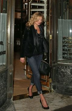 Kate Moss Mr. Chow's in London March 2015 | Kate Moss wearing Citizens of Humanity Avedon Skinny Jeans in Sierra