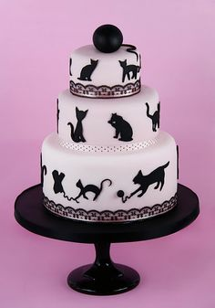 I would totally order this for my wedding cake <3