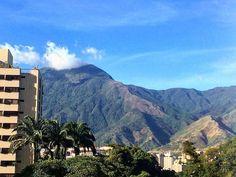 Te presentamos la selección del día: <<ÁVILA>> en Caracas Entre Calles. ============================  F E L I C I D A D E S  >> @goncalvesr << Visita su galeria ============================ SELECCIÓN @huguito TAG #CCS_EntreCalles ================ Team: @ginamoca @huguito @luisrhostos @mahenriquezm @teresitacc @marianaj19 @floriannabd ================ #avila #elavila #Caracas #Venezuela #Increibleccs #Instavenezuela #Gf_Venezuela #GaleriaVzla #Ig_GranCaracas #Ig_Venezuela #IgersMiranda…