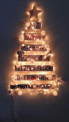Navidad Christmas Time, Christmas Crafts, Merry Christmas, Christmas Decorations, Xmas Tree, Four Square, Diy And Crafts, Photo Wall, Floral