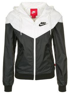 2f6fe5d1a2 Nike WindRunner Women s Jacket Windbreaker Hoodie Black White 545909 ...