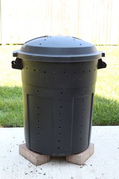Make Your Own Compost Bin Out Of A Trash Can Homemade