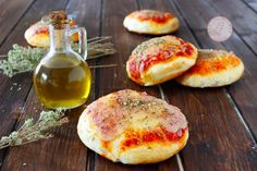 PIZZETTE SOFFICI Crackers, My Favorite Food, Favorite Recipes, Love Pizza, Pizza Party, Antipasto, Finger Foods, Food And Drink, Appetizers