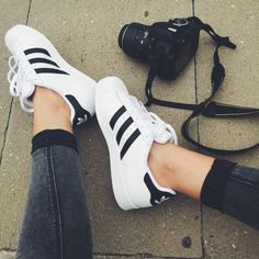Sneakers femme style adidas superstar ideas for 2019 Sneakers Fashion, Fashion Shoes, Shoes Sneakers, Shoes Heels, Adidas Superstar, Pretty Shoes, Cute Shoes, Adidas Shoes Women, Adidas Outfit