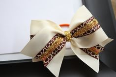 Spirit Cheer Bow glitter giraffe