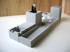 Formfreunde Concrete Desk Set Casts a Solid Presence