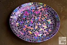 DIY mozaik plate from CDs.
