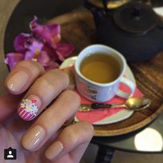 Cake nail