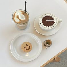 Aesthetic Food, Cream Aesthetic, Aesthetic Pics, But First Coffee, Cafe Food, Something Sweet, Sweet Treats, Bakery, Food Porn