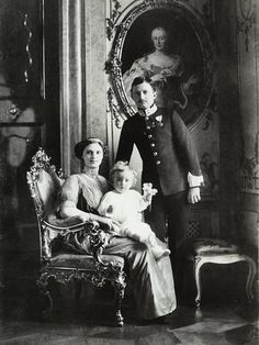 Photographic Print: Kaiser Karl I and His Family Poster : Royal Photography, Vintage Photography, Austria, Die Habsburger, Kaiser Karl, Empress Sissi, Family Poster, Archduke, Austro Hungarian