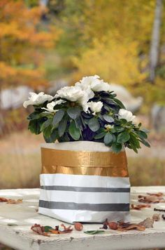 Big Small Project: Sturdy Household Containers made from Duct Tape Washi Tape. You can even use them outdoors! Duct Tape Projects, Duct Tape Crafts, Diy Projects, Washi Tape, Recycled Crafts Kids, Easy Crafts, Crafts For Kids, Container Design, Diy Planters