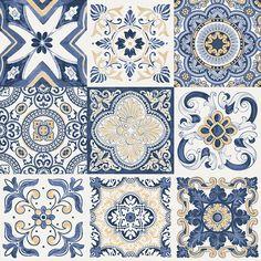 Desenhos originais dos antigos azulejos portugueses da trazidos na época da colonização portuguesa para o Brasil.