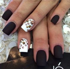 ♥♥ I love the matte nails I think i feel deprived of nails not being able to have them in school