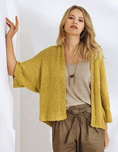 Modèles Tricot Femme – Explications & Patrons Tricot Femme You are in the right place about Knitting projects Here we offer you the most beautiful. Knitting Blogs, Easy Knitting, Crochet Wool, Hand Crochet, Knitwear Fashion, Cardigan Pattern, Knit Jacket, Shawls And Wraps, Cardigans For Women