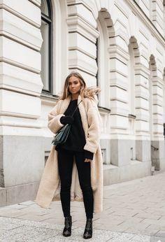dfd2f1c7f7 Black Glam coat beige bag blonde city-break sweater jeans make-up