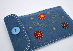Felt iPhone 6 case,Samsung Galaxy S6 case,handmade blue felt floral phone case, phone sleeve, embroidered phone case, phone cover,