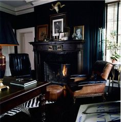 Home Office Design For Men Man Cave Dark Walls Super Ideas Masculine Room, Masculine Interior, Masculine Office Decor, Masculine Apartment, Masculine Style, Modern Interior, Black Room Design, Home Office Design, House Design