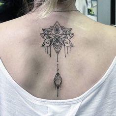 Trabalho! Flor de lotus! #tattoocaldara #tattoo #inspirationtattoo #tatuagem #tatuagensfemininas ...