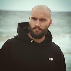 Bald Heads - Hairl Loss Tips Bald Men With Beards, Bald With Beard, Bald Man, Hairy Men, Beard Styles For Men, Hair And Beard Styles, Shaved Head With Beard, Bald Men Style, Bald Look