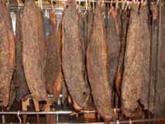 Biltong (the South African equivalent - WAY better version of beef jerkey) Sausage Making, How To Make Sausage, Jerky Recipes, Bacon Recipes, Beef Jerkey, Biltong, Bar B Q, South African Recipes, Kitchens
