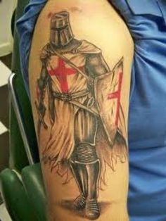 Learn about knight tattoo designs and meanings, and get some ideas for your own! This article includes numerous photos of knight-related tattoos for inspiration. Tattoo Designs And Meanings, Tattoo Sleeve Designs, Tattoos With Meaning, Tattoo Designs Men, Sleeve Tattoos, Tattoo Meanings, Armor Of God Tattoo, War Tattoo, St. Michael Tattoo