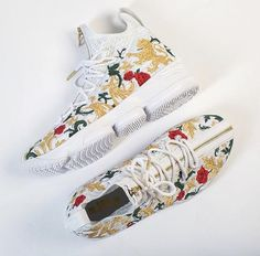 Nike Lebron 15 Floral - - New Ideas Nike Lebron, Lebron 15 Shoes, Air Max Thea, Vintage Nike, Nike Sportswear, Nike Sweater, Nike Air Max, Floral Sneakers, Lit Shoes