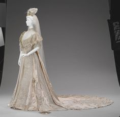 Wedding dress indianapolis museum of art very for Wedding dress alterations indianapolis