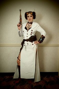 Found this awesome Steampunk Leia cosplay from CaptainSparrow.