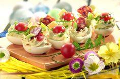 Plněná vejce Potato Salad, Tapas, Panna Cotta, Chicken Recipes, Food And Drink, Appetizers, Menu, Bread, Snacks