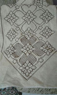 Cross Stitch Designs, Cross Stitch Patterns, Cross Stitch Embroidery, Paper Art, Projects To Try, Blog, Album, Rugs, Diy Hair Accessories